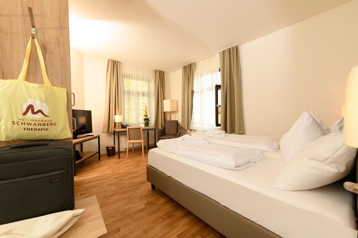 Ansicht eines Doppelbettzimmer im Kur- und Gesundheitshotel Heilmoorbad Schwanberg