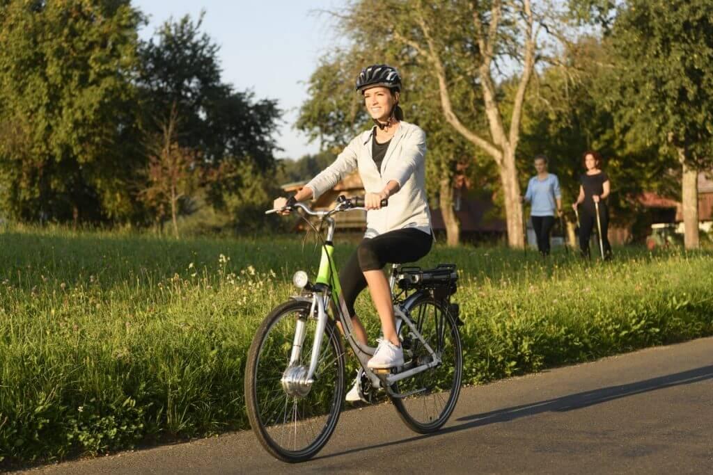 E-Bike fahren und Nordic Walking im steirischen Schilcherland