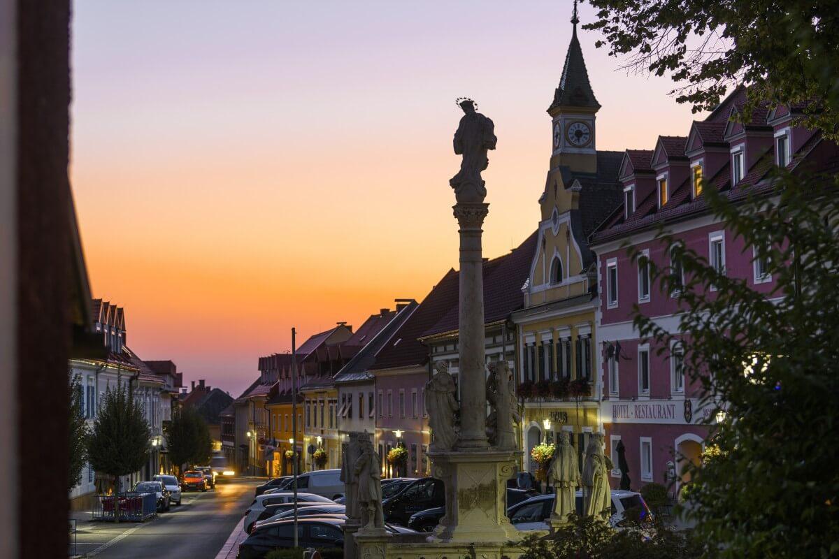 idylische Morgenstimmung der Marktgemeinde Schwanberg