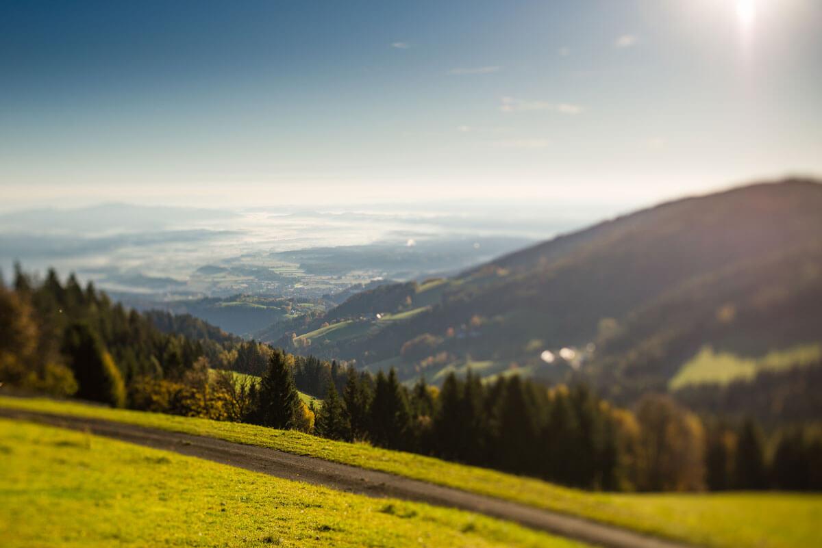 idylische Bergansicht über Schwanberg