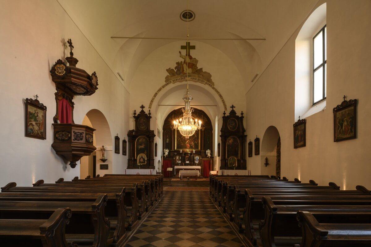 Ansicht des Altarraumes der Klosterkirche Schwanberg
