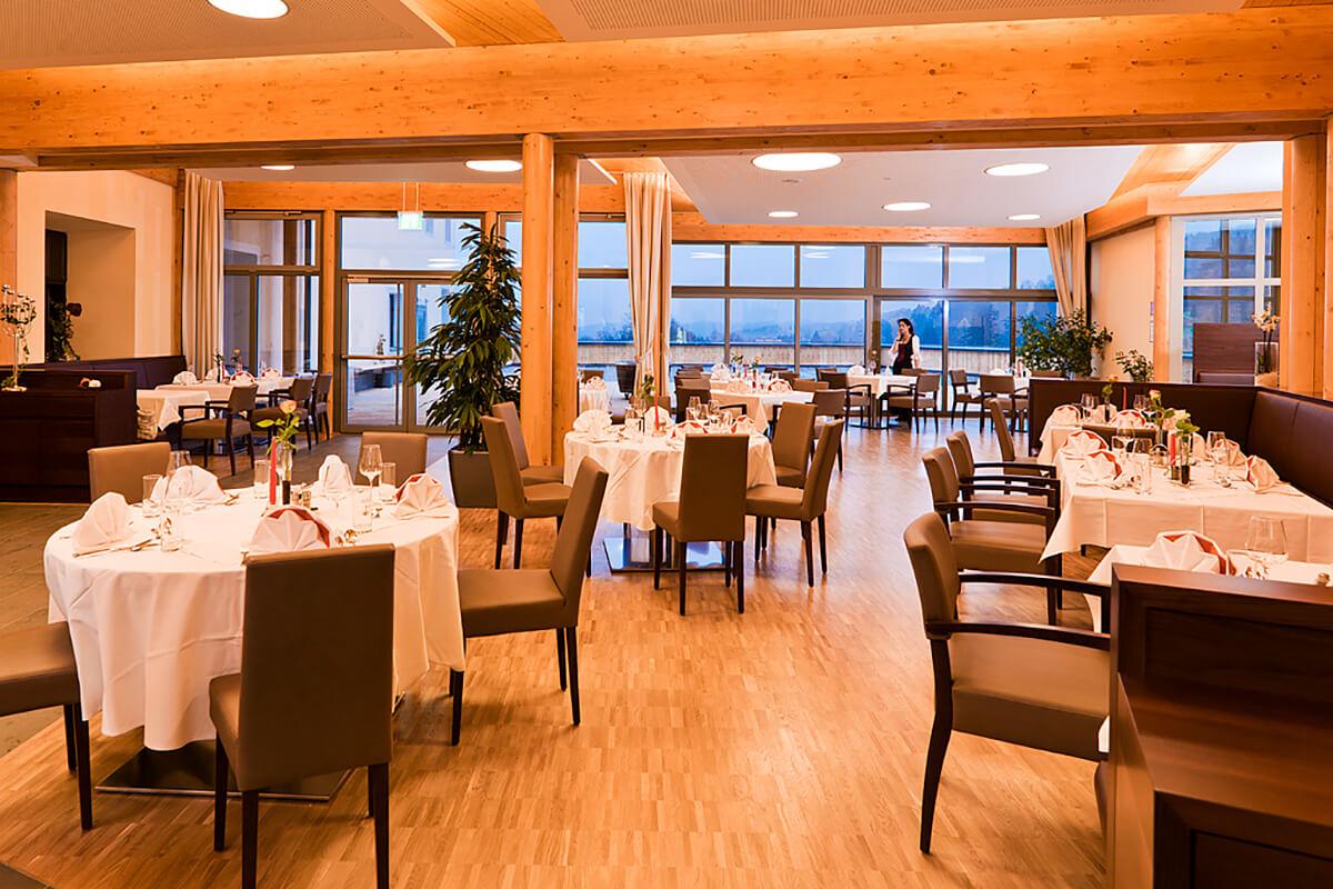 geräumiger Speisesaal im Kur- und Gesundheitshotel Heilmoorbad Schwanberg