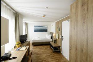 Beispielfoto eines Einbettzimmers im Kur- und Gesundheitshotel Heilmoorbad Schwanberg